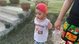 น้องบิ๊กไบค์ มาให้อาหารปลา กองพันปราจีนบุรี