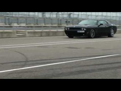 Dodge Challenger SRT8 Drift