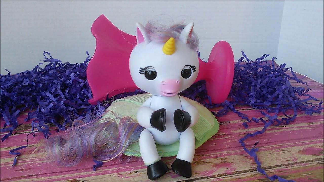 Wowwee Fingerlings Gigi The Baby Unicorn Youtube