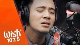 """Erik Santos performs """"Pagbigyang Muli"""" LIVE on Wish 107.5 Bus"""