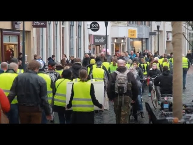 'Yellow vest' protests spread to the Netherlands