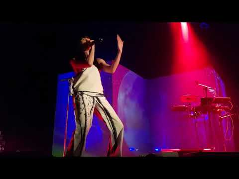Kimbra - Top of the world (live at Islington Assembly Hall)