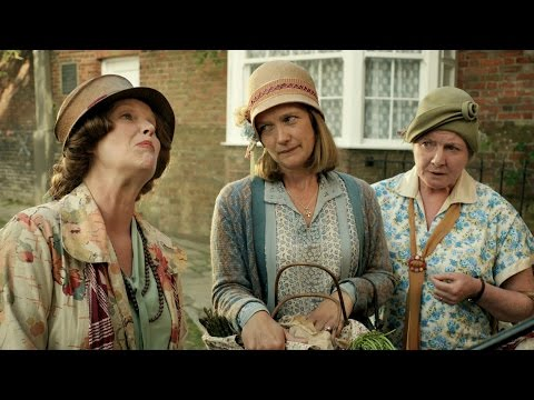 Mapp tests Lucia's Italian - Mapp and Lucia: Episode 3 Preview - BBC One Christmas 2014