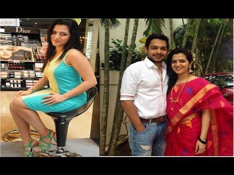 Vijay TV Anchor Divya Dharshini  Family Photos Serial Actress   Tamil News