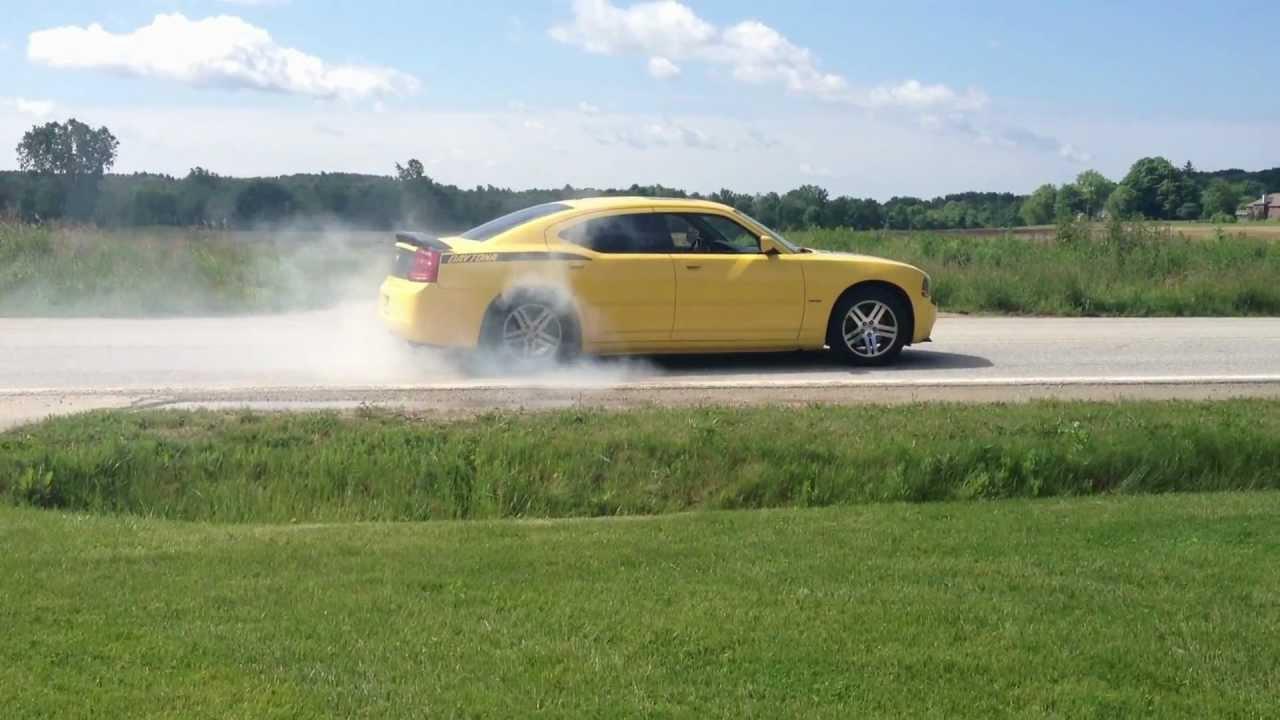 All Types 2006 charger daytona : 2006 Dodge Charger Daytona Burnout - YouTube