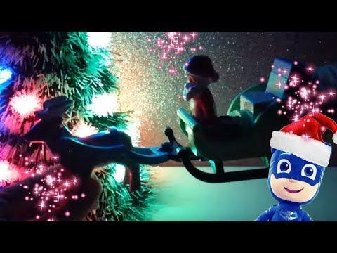 É arrivato Babbo Natale! 🎁🎅 Apriamo i regali coi Super Pigiamini [Video di Natale per bambini]