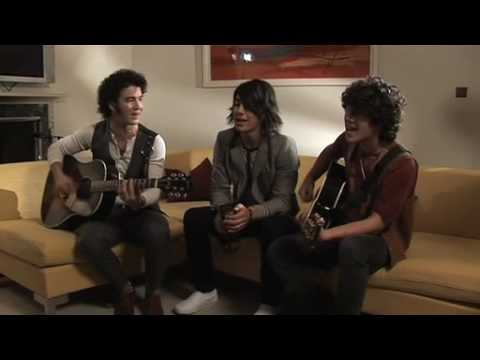 Jonas Brothers - SOS Acoustic