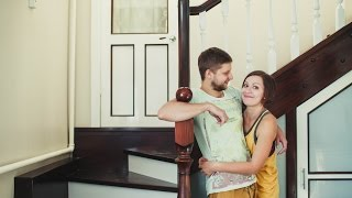 видео Чем покрыть деревянную лестницу в доме: выбираем отделку