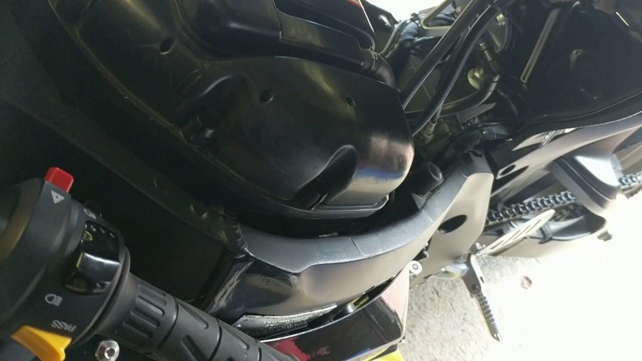 fuel tank breather problem solved suzuki gsxr 750 600 1000 [ 1280 x 720 Pixel ]
