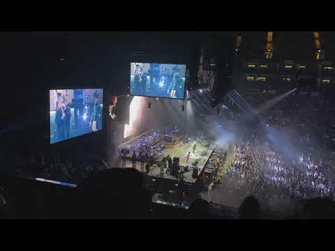 Gorillaz - Strange Timez (Live)