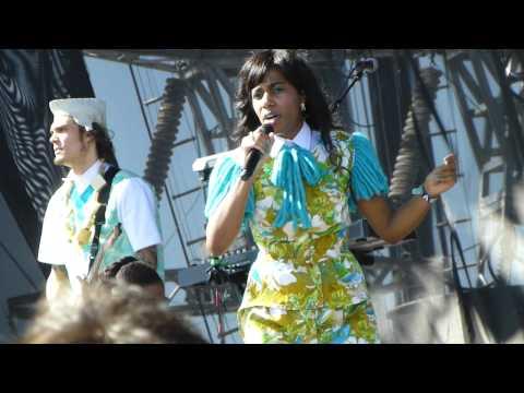 Santigold - L.E.S. Artistes LIVE HD (2012) Coachella Music Festival