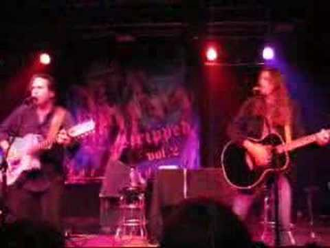 winger-miles-away-live-acoustic-iiwahii