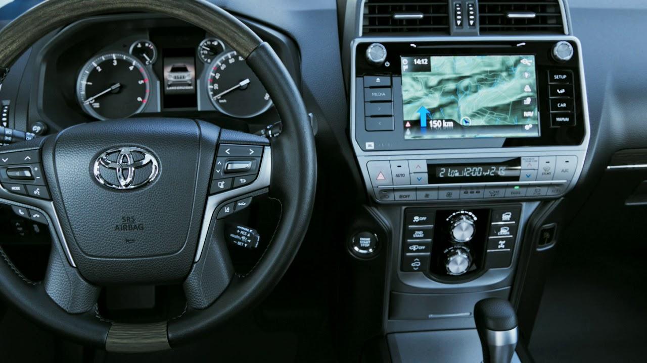 Nowy Land Cruiser – przestronne i komfortowe wnętrze.
