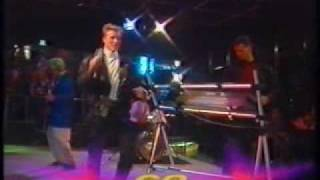 GO - Let Your Love Flow (TV-performance)