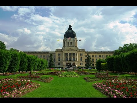 11 Top Tourist Attractions in Saskatchewan (Canada)