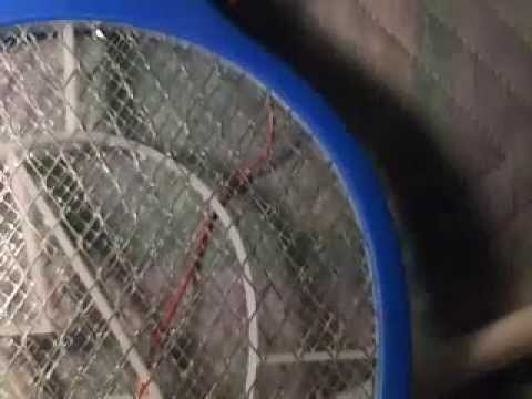 Schema Elettrico Racchetta Per Zanzare : Racchetta fulmina insetti accende neon electric fly swatter joule