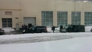 Дмитрий Медведев в Кирове сам сел за руль Mercedes