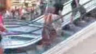 follia da centro commerciale: euroma2
