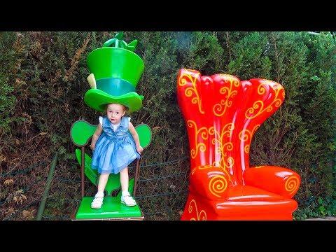 Рокки Щенячий Патруль и Настя спасают Героев в Масках в Диснейленде Paw Patrol and PJ Masks toys