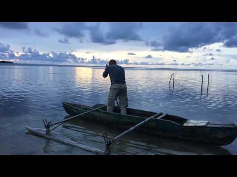 Papua New Guinea, Hermit Atoll, Canoe Padling