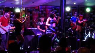 Sexy Dancers Singing Kpop