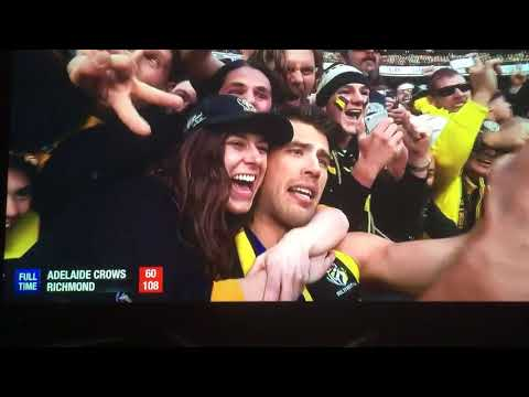 Richmond vs Adelaide 2017 AFL Grand Final Lap of honour