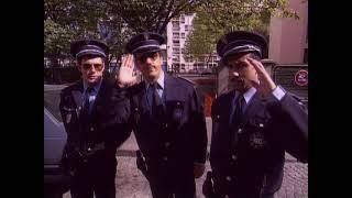 Les Inconnus - Le commissariat de police