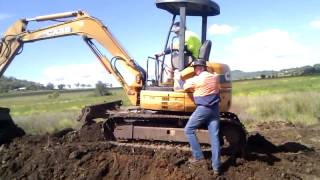 Check Our Excavator Training Course In Action - Video 1