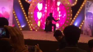 Raghu Tekriwal Sir wedding dancing with his wife.