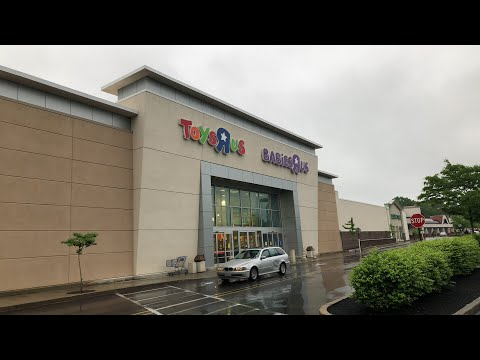 LANDSPEEDERS And TOYS R US