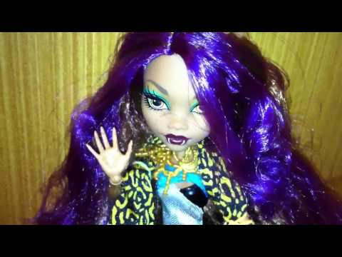 Selena Gomez - A year without rain (clip video version Monster High)