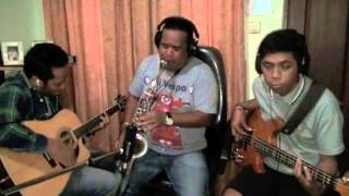 Beta Belayar Jauh  by : Nicky Manuputty (sax) - Dennis Talakua (guitar) & YudiTh Ferdinandus (bass)