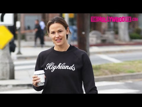 Jennifer Garner Reveals She's Dating Brad Pitt While On A Morning Coffee Run 10.2.16