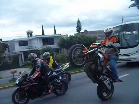 motos deportivas acrobacias caballito en motos deportivas youtube. Black Bedroom Furniture Sets. Home Design Ideas