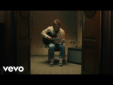 Lewis Capaldi - Someone You Loved (Live At The London Road Fire Station, Manchester, 2018)