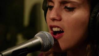 Anna Calvi - Morning Light (Live on KEXP)