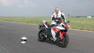 Episode 1: Yamaha R1 vs Yamaha R6 Test