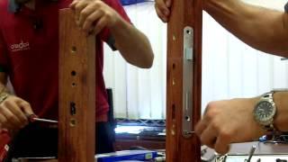 Výměna zámku u dveří kork za krokem - jak vyměnit zadlabací zámek u dveří