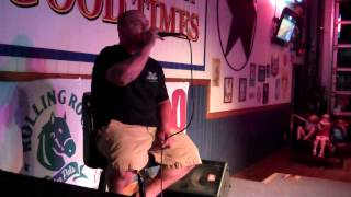 Travis Smith Sings At Wild Wings