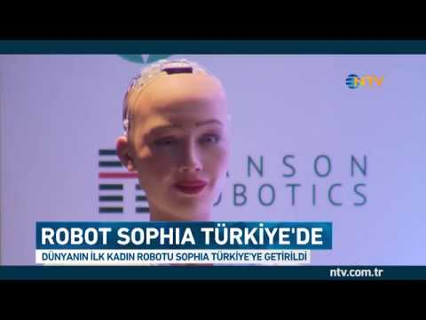 Robot Sophia reklam filmi için Türkiye'de