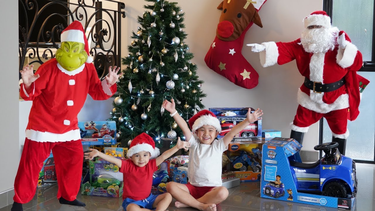 Download The Grinch STOLE Our Christmas Presents  Ckn Toys Xmas 2018 Children's Fun Video