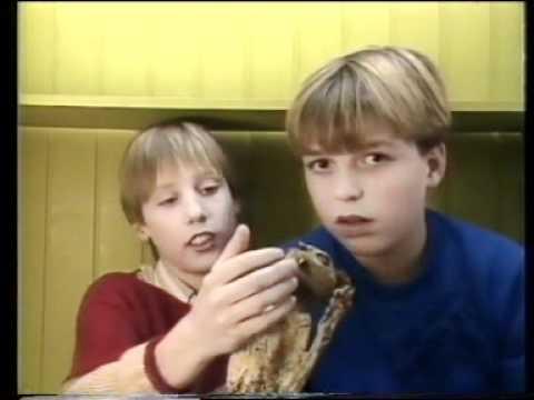 Achterwerk In De Kast 1985 Gemummificeerde Kat Klarinet