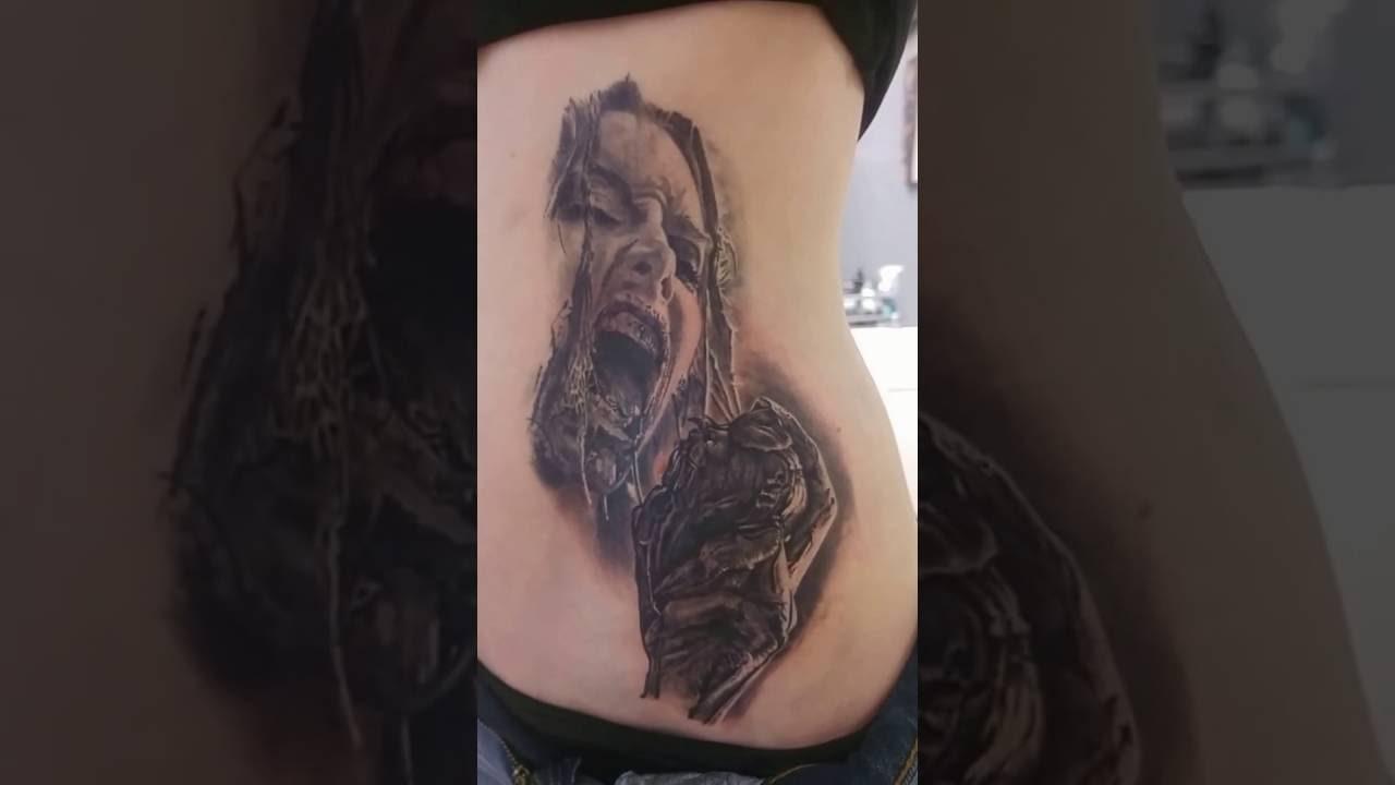 Tatouage Zombie Girl Par Stephane Bueno Black Corner Tattoo Youtube