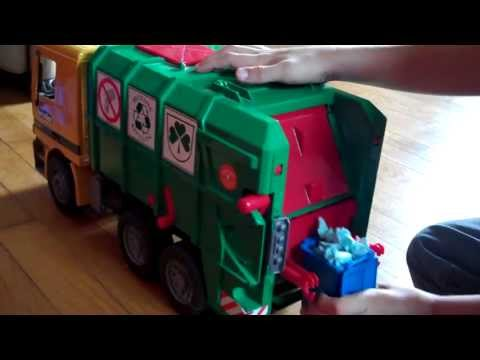 Phillips Bruder Toy Garbage Truck Video 3