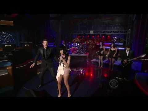 Robin Thicke Ft. Nicky Minaj - Shake it 4 Daddy (Live) HD