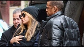 Beyonce Breast Feeds in Public