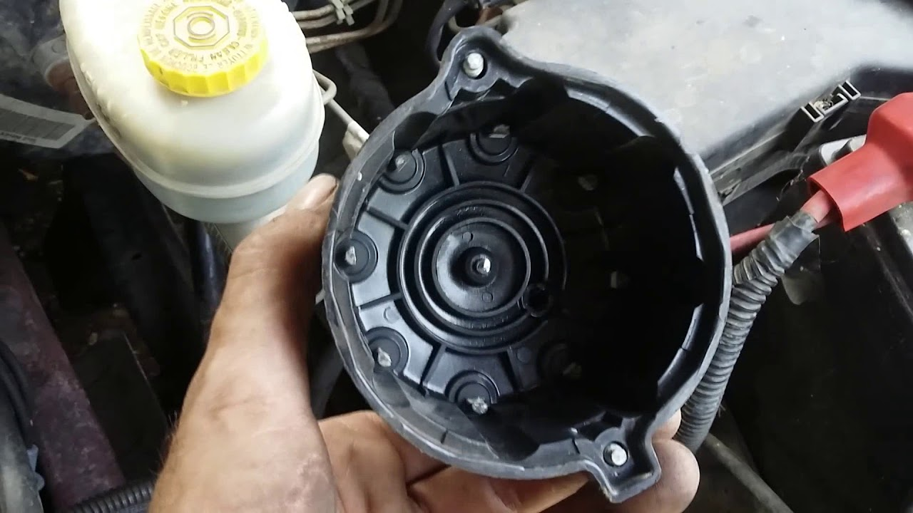 Replacing Distributor Cap And Rotor  Dodge Ram 1500