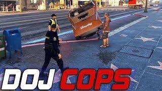Dept. of Justice Cops #587 - Vinewood Boating