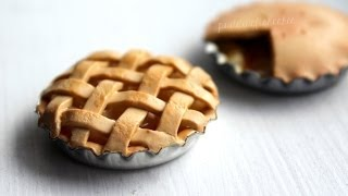 One of PuddingFishCakes's most viewed videos: DIY: Miniature Apple Pie Polymer Clay Tutorial