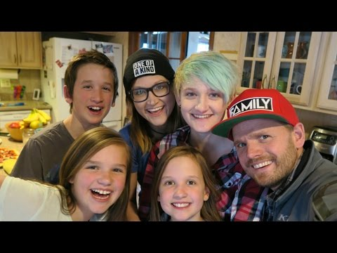 LIVE CHAT WITH THE DALE TRIBE & FRIENDS ON FAMILY, LIFE, DIABETES & MORE